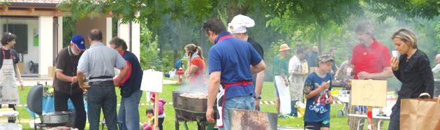 Domenica all'aperto, barbecue e musica